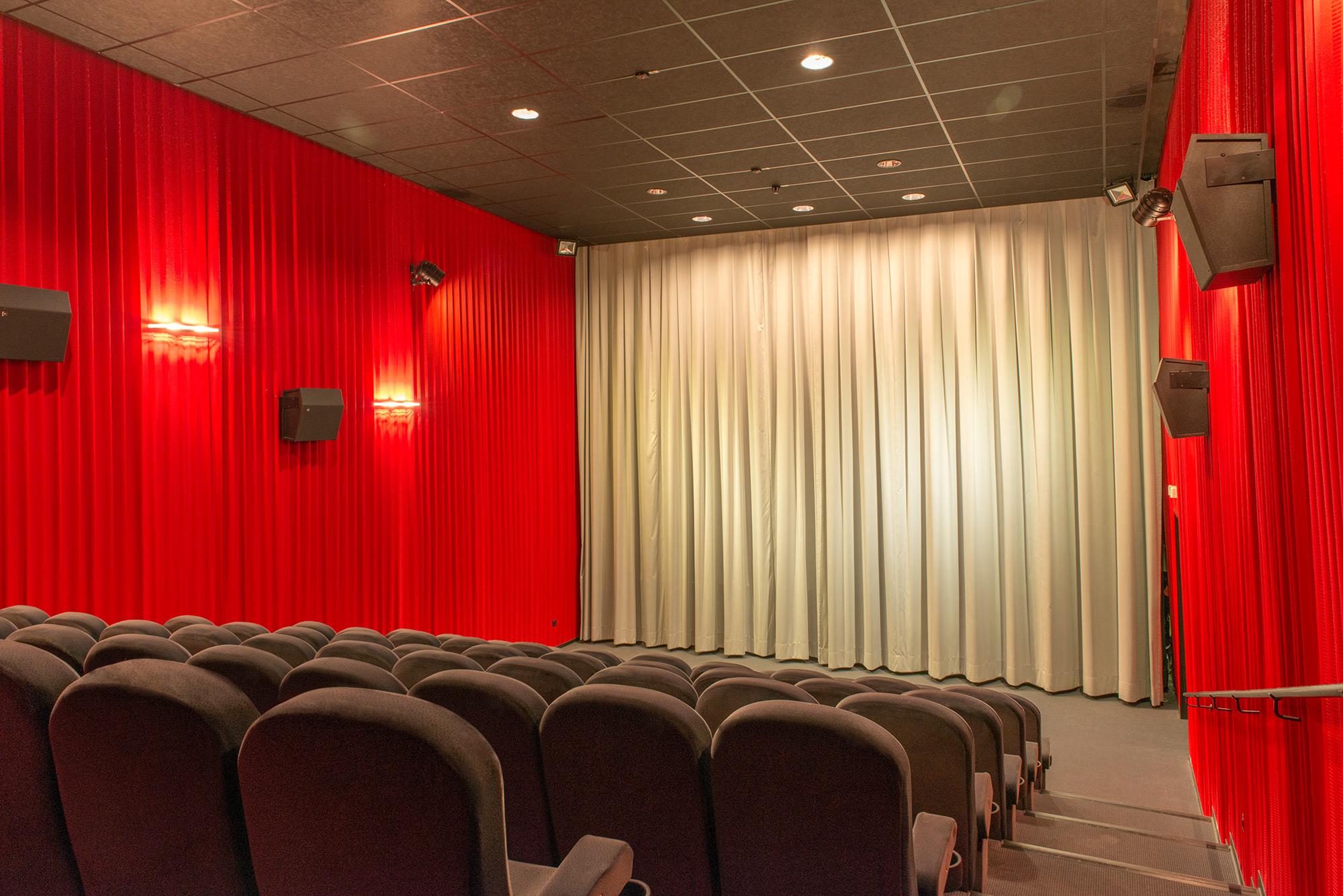 Kino 4 mit 76 Plätzen